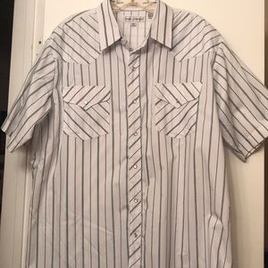 Other - LIKE NEW Men's Button Down